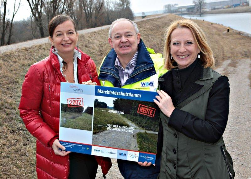 Marchfeldschutzdamm abgeschlossen;StRin Ulli Sima, Martin Jank, Doris Bures
