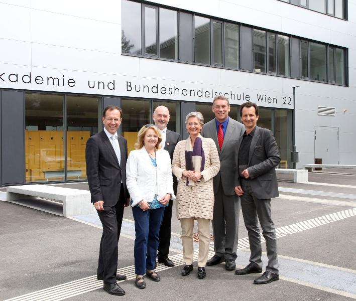 Eröffnung HAK/HASch Polgarstraße durch Herrn Amtsführenden Stadtrat Christian Oxonitsch und Ministerin Claudia Schmied