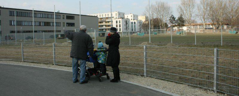 hundezone-heinz-lazek-weg-bernouillistrasse-anrainer-feb-2011